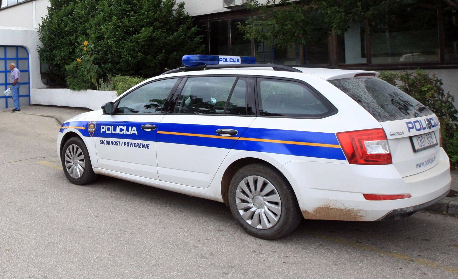 Vozio brzo pa izgubio kontrolu u zavoju: Poginuo vozač (50)
