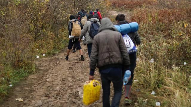 Policajci našli 71 migranta u šumi blizu Fužina, ne žele azil