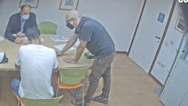 Skandal u Italiji: Objavili video na kojem Suarez vara na ispitu