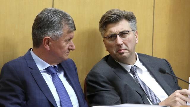 Zagreb: Sabor raspravlja o opozivu ministra Kujundžića