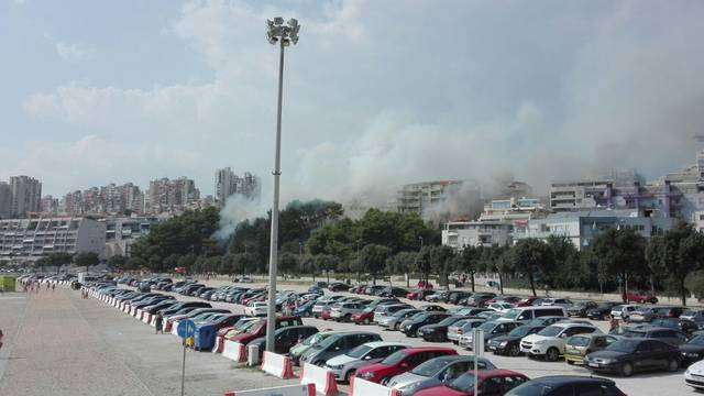 Požar na Žnjanu: Vatrogascima su pomagali lokalni stanovnici