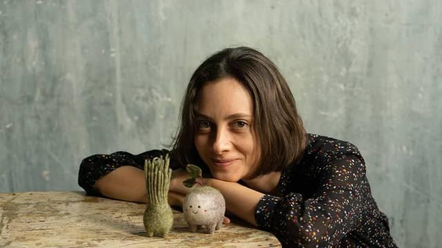 Ruska umjetnica od vune radi preslatke igračke za mališane