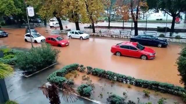 U Istri poplave, ulice gradova pod vodom, promet u prekidu...
