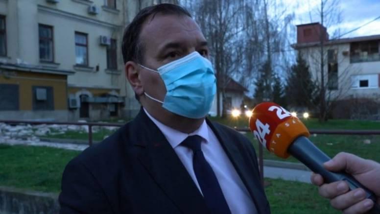 Beroš u Sisku: Traži se mjesto više u Zagrebu, bolesnici kojima nužno ne treba bolnica idu kući