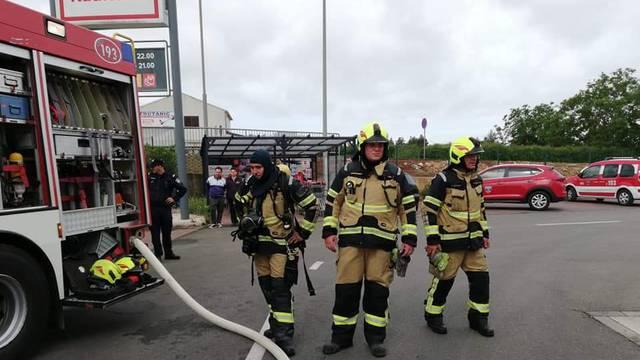 Evakuirali su sve kupce: Planuo je trgovački centar u Poreču