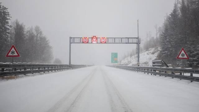 Zimske radosti na autocesti A6 Rijeka - Delnice