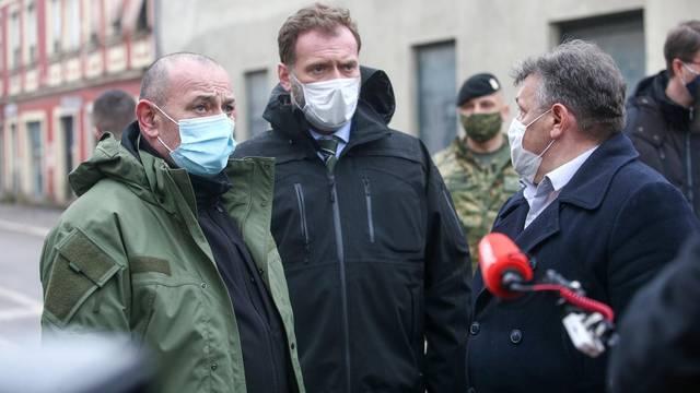 Predsjednik Vlade Andrej Plenković obišao je Glinu