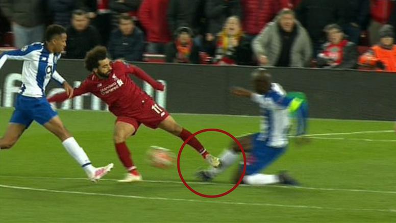 Kako se Salah izvukao? Njegov start je bio za crveni karton...