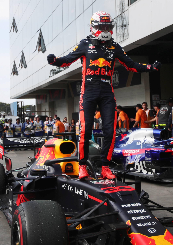 Verstappen slavio u drami VN Brazila! Ferrariji su se sudarili