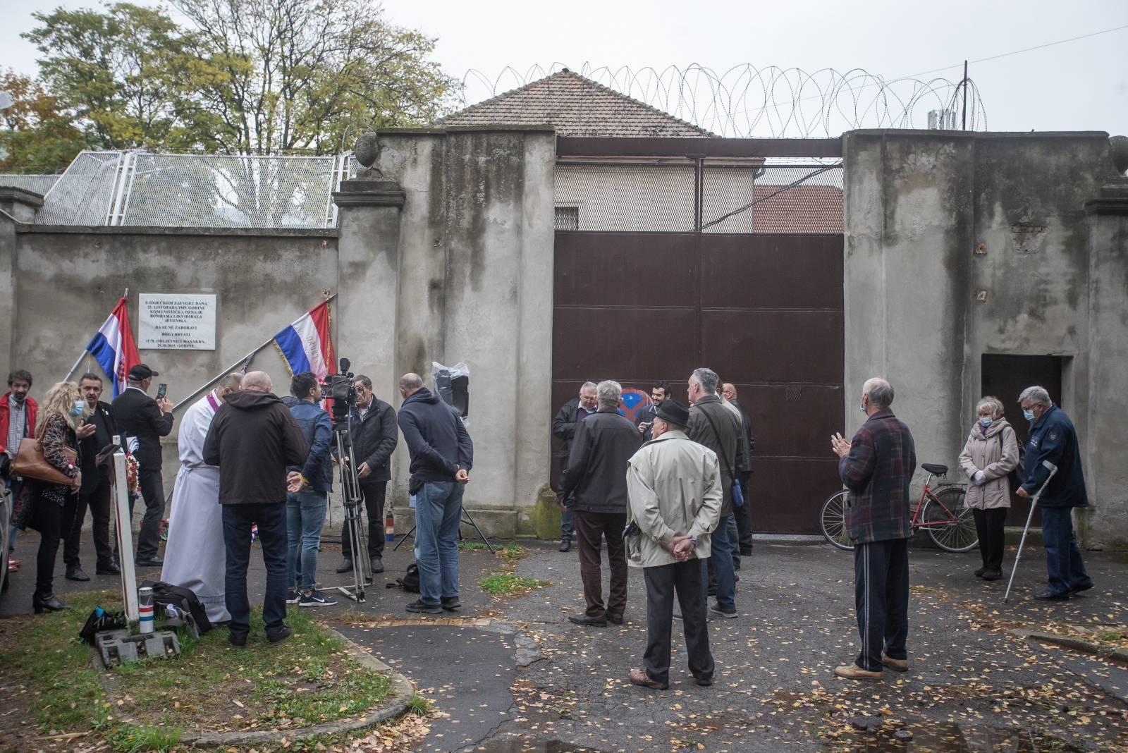 Osijek: Obilježena 75. godišnjica stradavanja 48 zatvorenika u Vojnom zatvoru Osijek