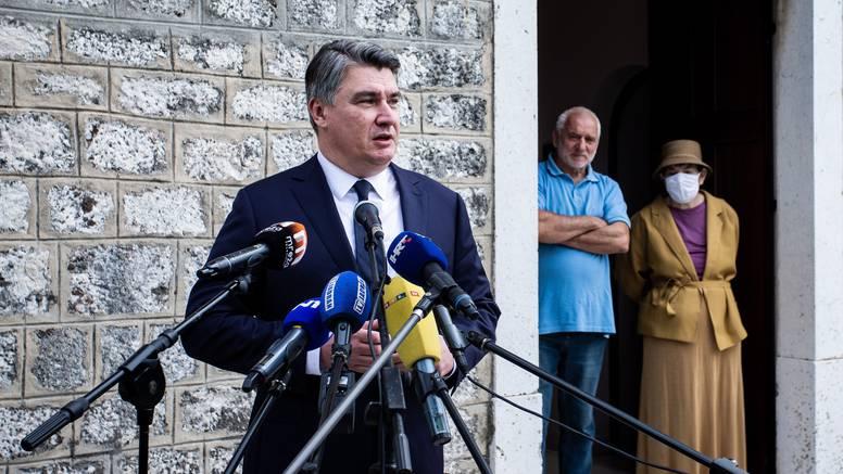 Milanović se opet oglasio na Fejsu, ali oko Dana neovisnosti