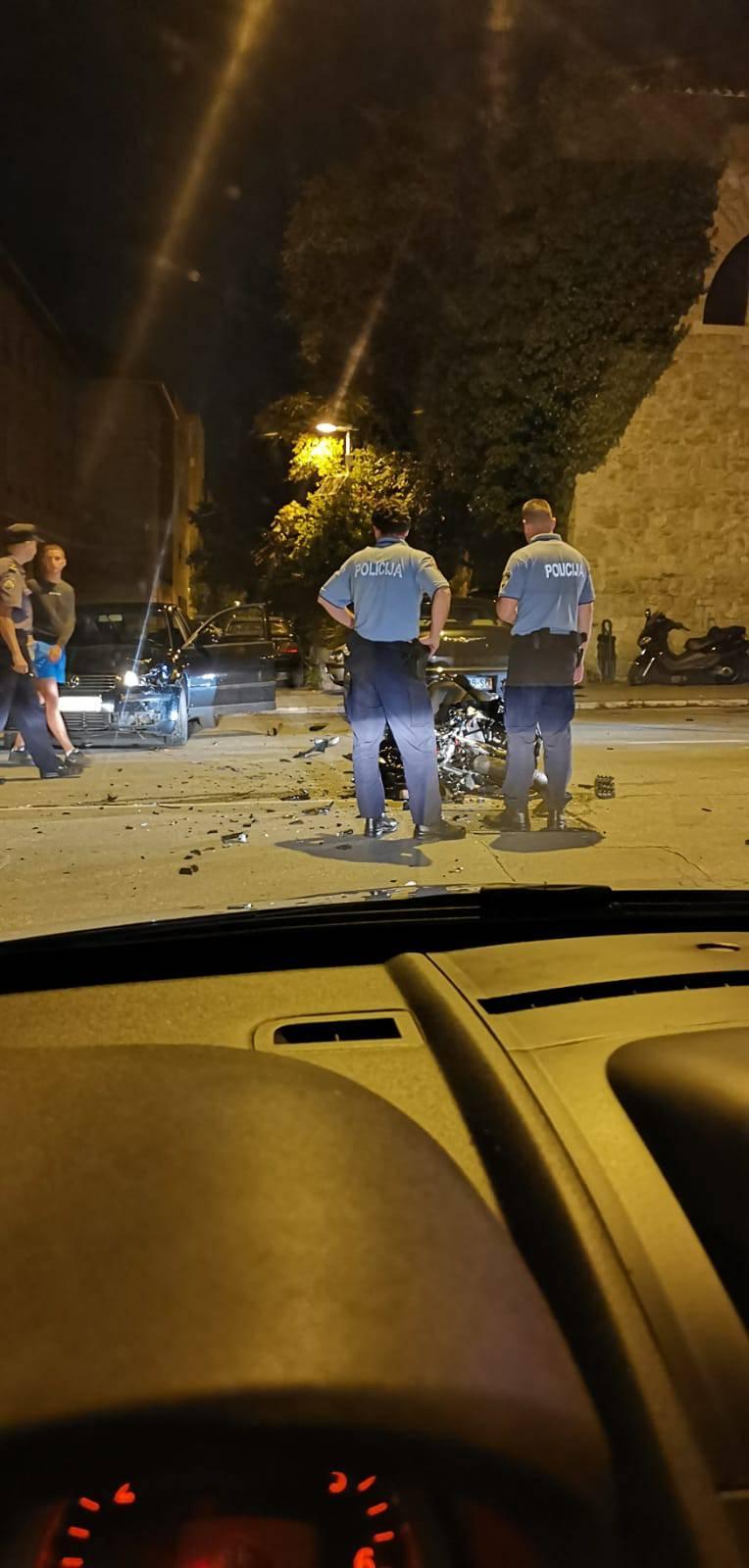 Nesreća u Splitu: Motociklist (18) je zadobio teže ozljede