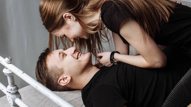 Ilustracije seksa i ljubavi