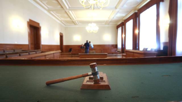 Nakon pet godina optuženima da su HZZO oštetili za 30 mil. kuna suđenje počelo ispočetka