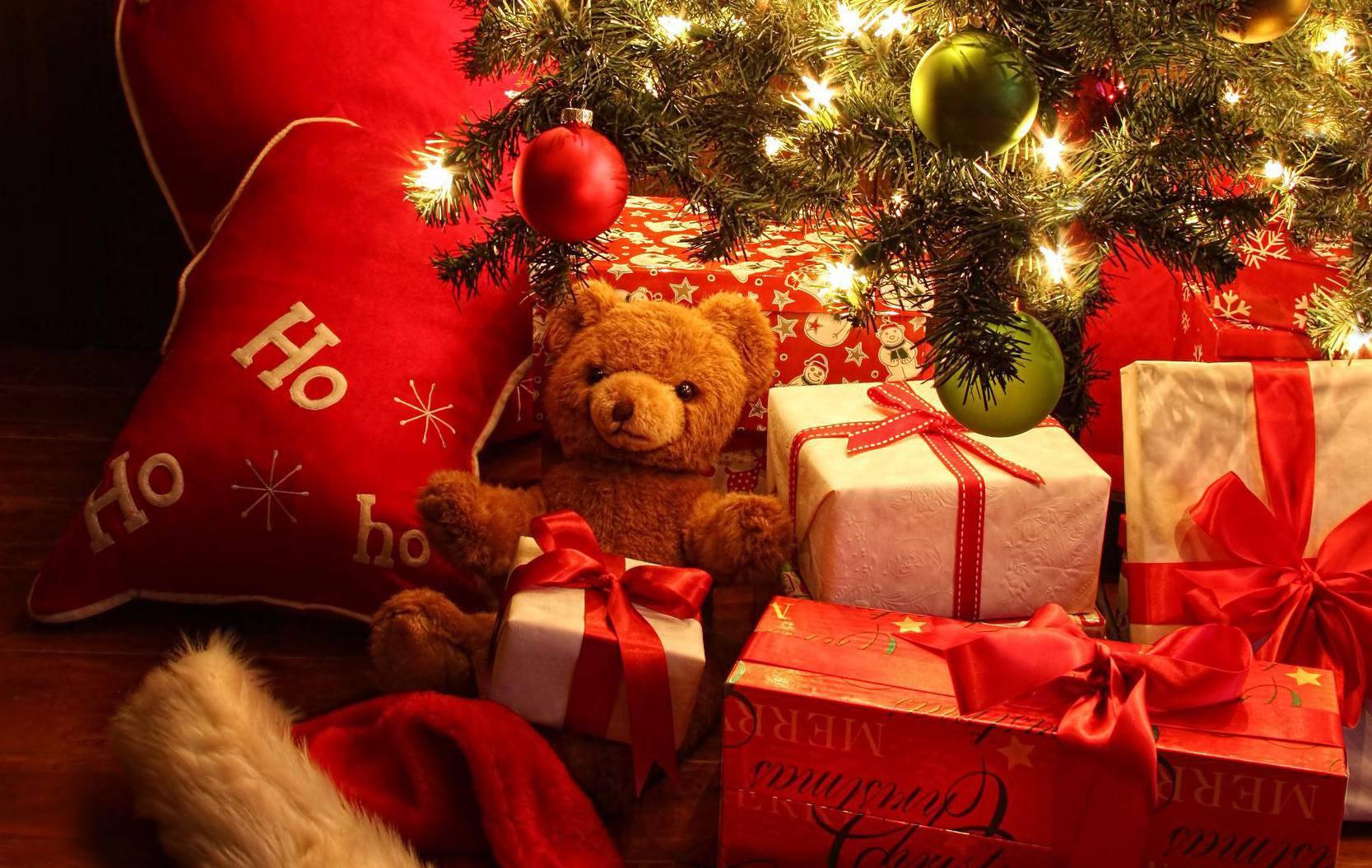 Darovi nekad - poklanjale su se naranče, bademi, jabuke i jaja