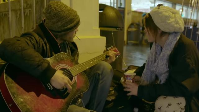 Pomogla beskućniku, maknula ga s ulice i zaljubila se u njega