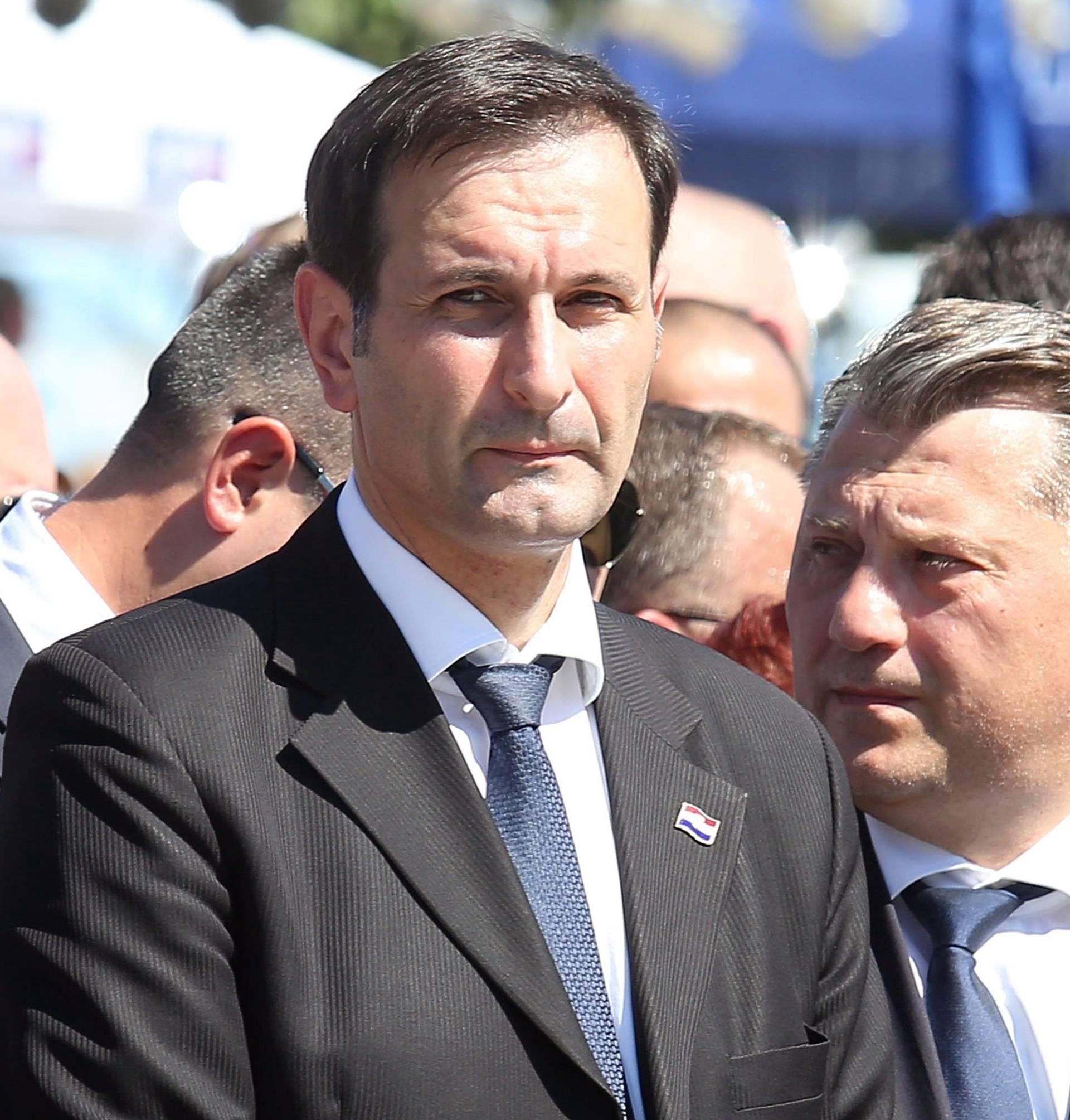 Hrvatska odbila primiti notu Srbije zbog paljenja zastave