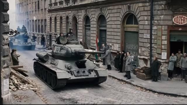 Na ruske tenkove goloruki su išli: Ulice su preplavili leševi...