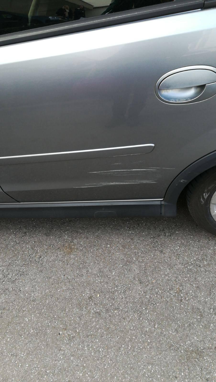 Riječanin: Netko mi je ogrebao auto, a onda sam vidio poruku
