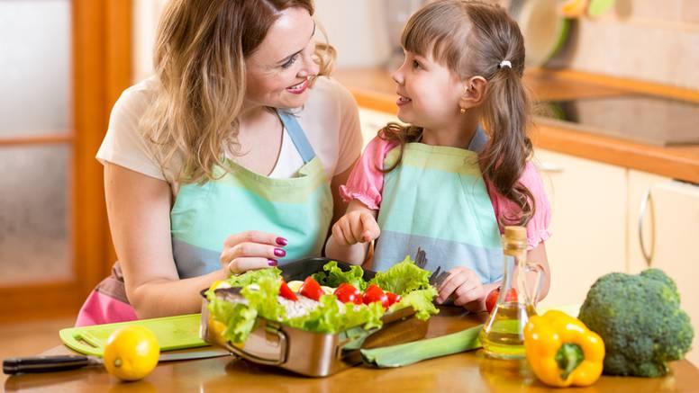 Umjesto čokoladica i brze hrane djeci pripremite zdrave obroke