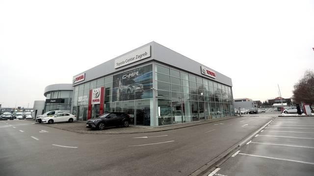 Prodaja automobila u ožujku u Hrvatskoj potonula za 46 posto