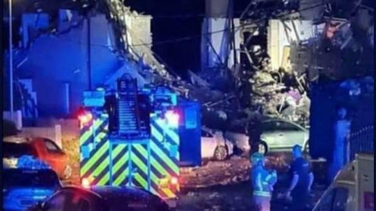 Eksplozija srušila tri kuće u nizu, umrlo dijete, četvero ozlijeđeno