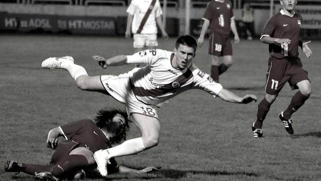 Pao je s 5. kata: Preminuo je bivši nogometaš Zrinjskog...