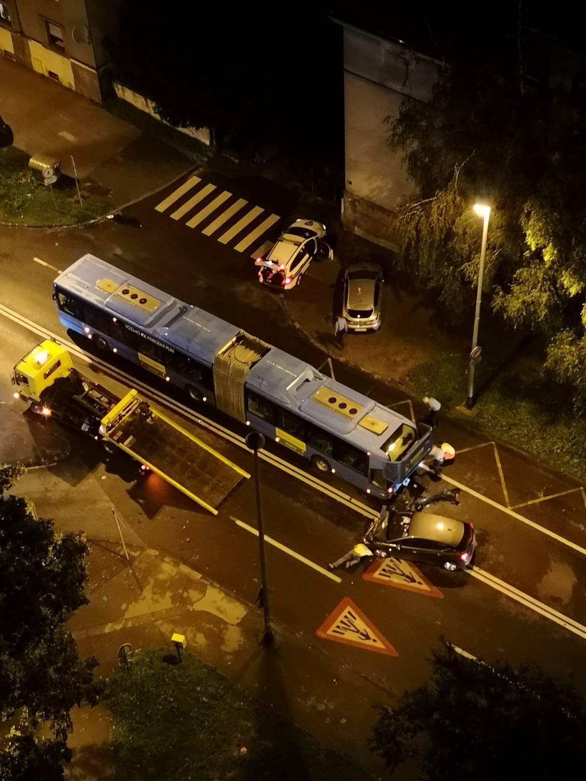 Zagreb: Pijan udario u autobus