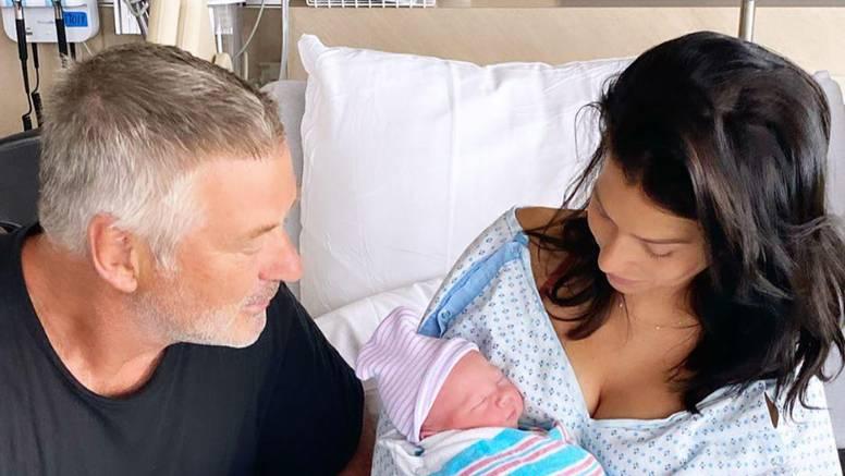 Alec Baldwin (62) dobio je sina