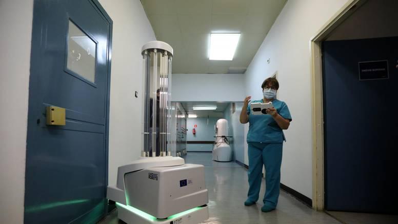 Sam ide i ubija bakterije:  Robot za dezinfekciju stigao u  Rijeku