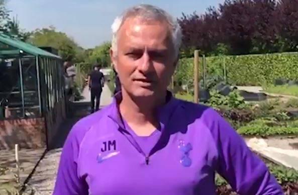 Mourinho u vrtu: Brat će voće i povrće za one najugroženije...
