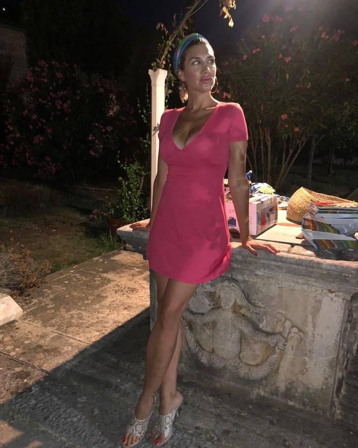Šurjak pozirala u mini haljini: Proljepšala si se, ali i smršavila