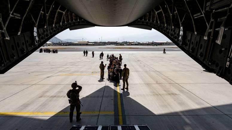 NATO: Proces evakuacije je spor  jer je rizičan. Ne želimo sukobe  s talibanima kraj aerodroma