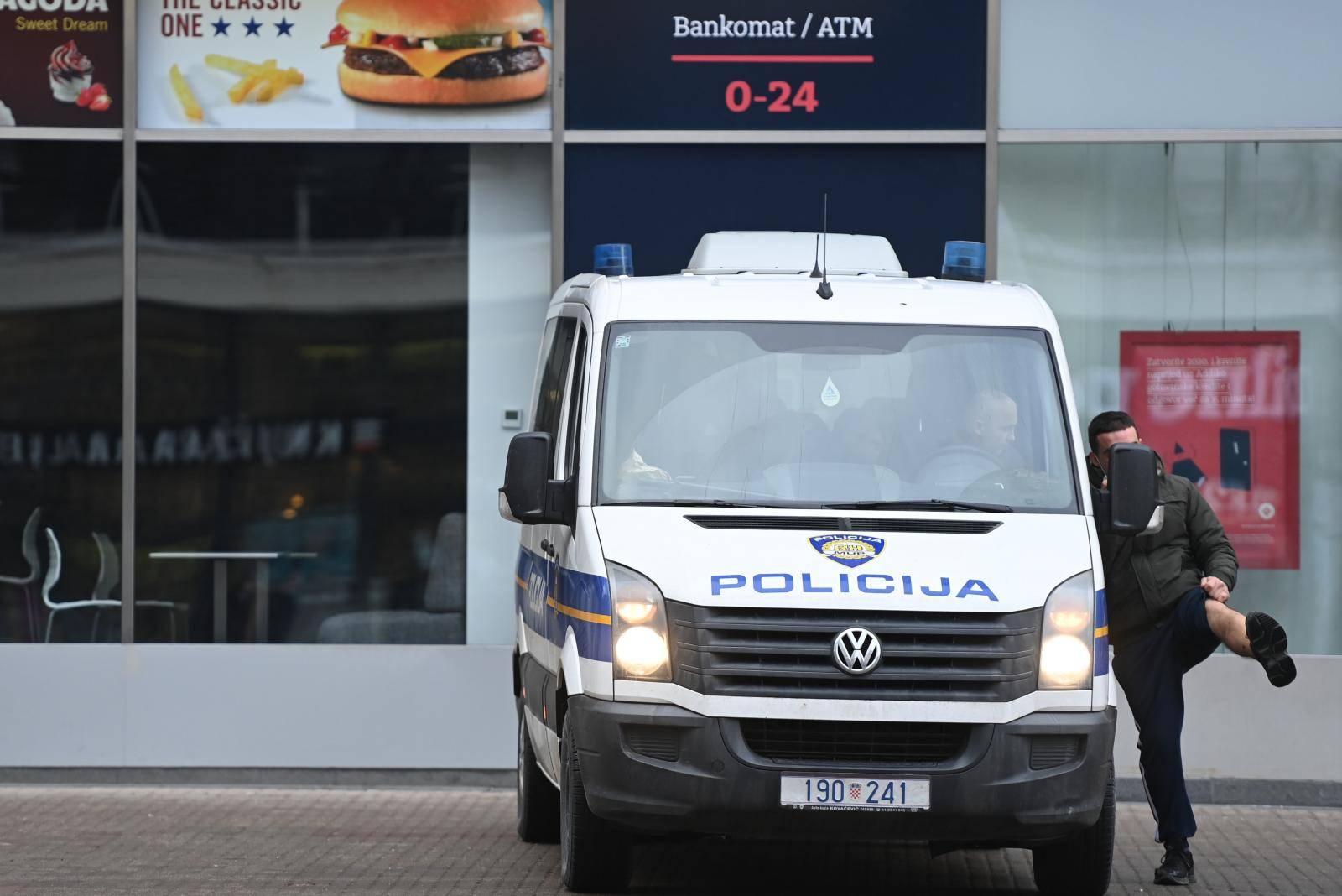 Zagreb: Policijsko osiguranje i okupljanje na Trgu uoči prosvjeda poduzetnika