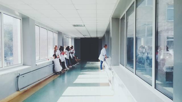 Liječnik u Banjoj Luci seksualno napastvovao pacijenta u komi: Zatekli ga kako ga ljubi po licu