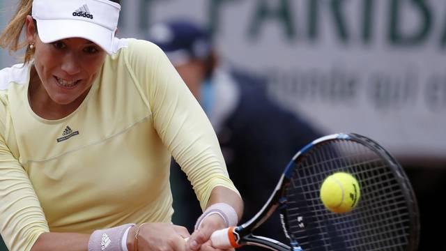 Tennis - French Open Women's Singles Final match - Roland Garros - Serena Williams of the U.S. vs Garbine Muguruza of Spain