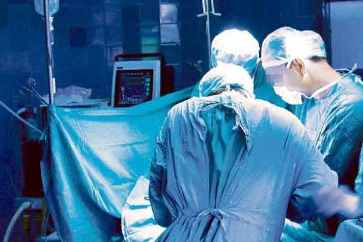 Pisao svoje inicijale na jetrama ljudi: Kirurg ostao bez posla