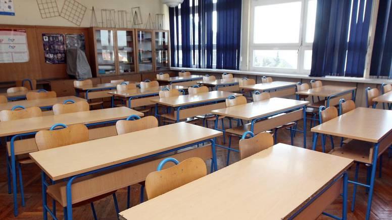 Reakcije na mjere u školama: Ovo je suludo, ne šaljemo djecu