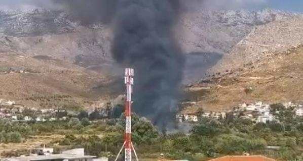 Veliki požar u Splitu kod TTTS-a, izbio je na divljem deponiju...