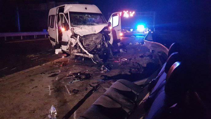 Prestrojavao se i udario kombi: Jedan poginuli i 7 ozlijeđenih