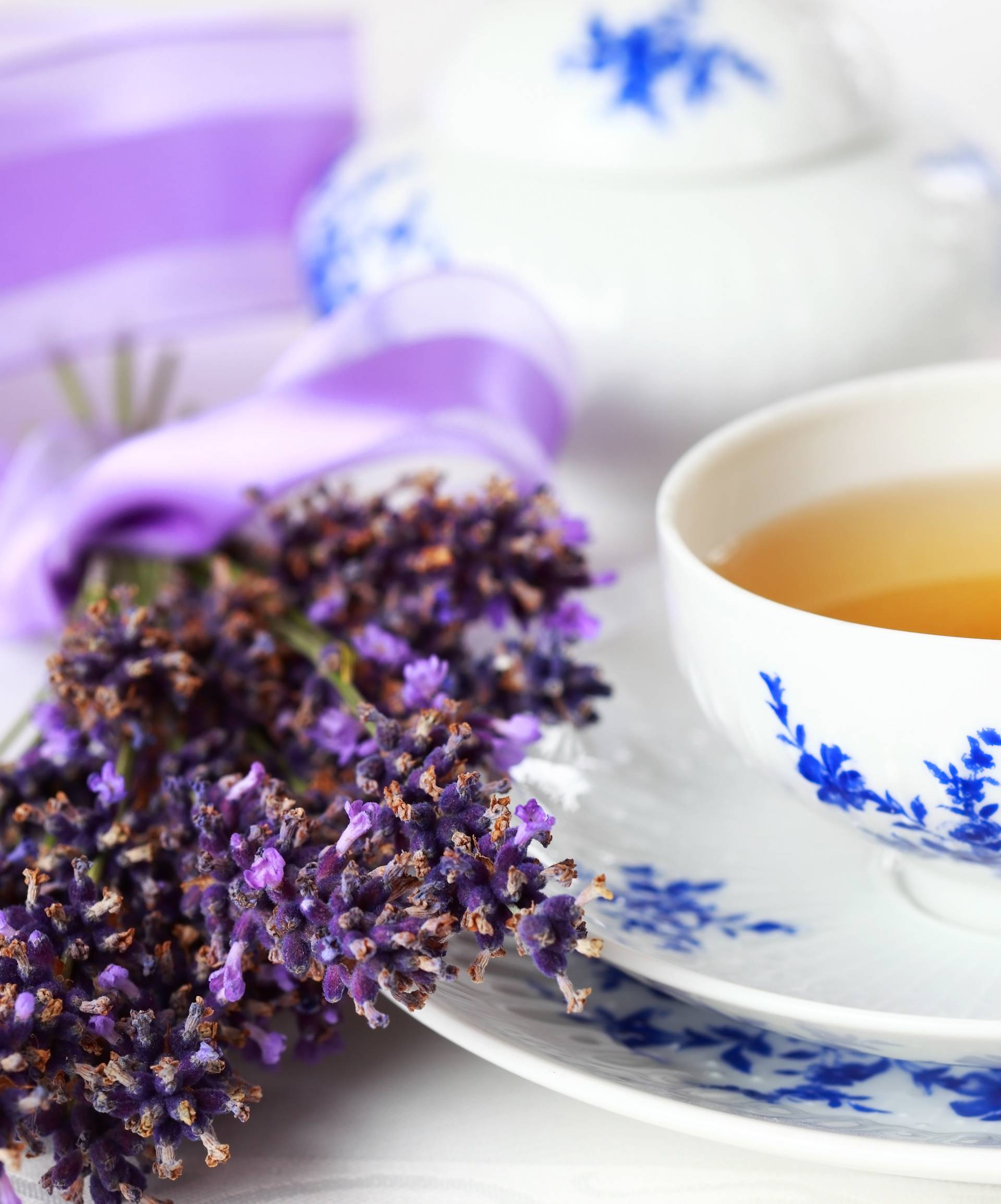 Popijte šalicu čaja od lavande za bolje raspoloženje i lakši san