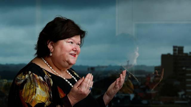 Belgijska ministrica je postala hit zbog svoje neobične maske