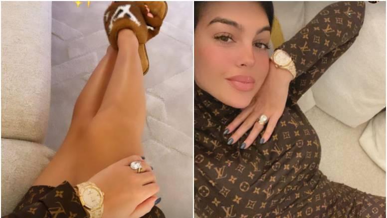 Georgina blistala u brendiranim krpicama, pažnju 'ukrao' prsten