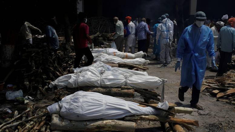 Indija u jednom danu ima 4529 umrlih: Najgori dnevni broj u svijetu od početka pandemije