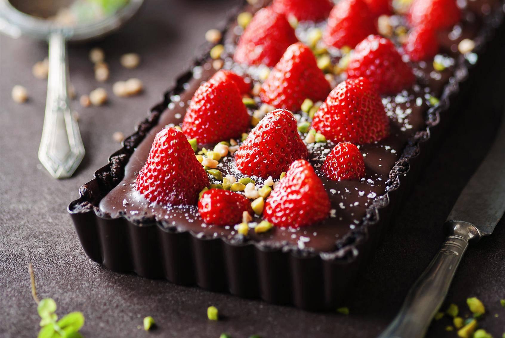 Čokoladni tart s jagodama - kolač kojemu nitko ne odolijeva