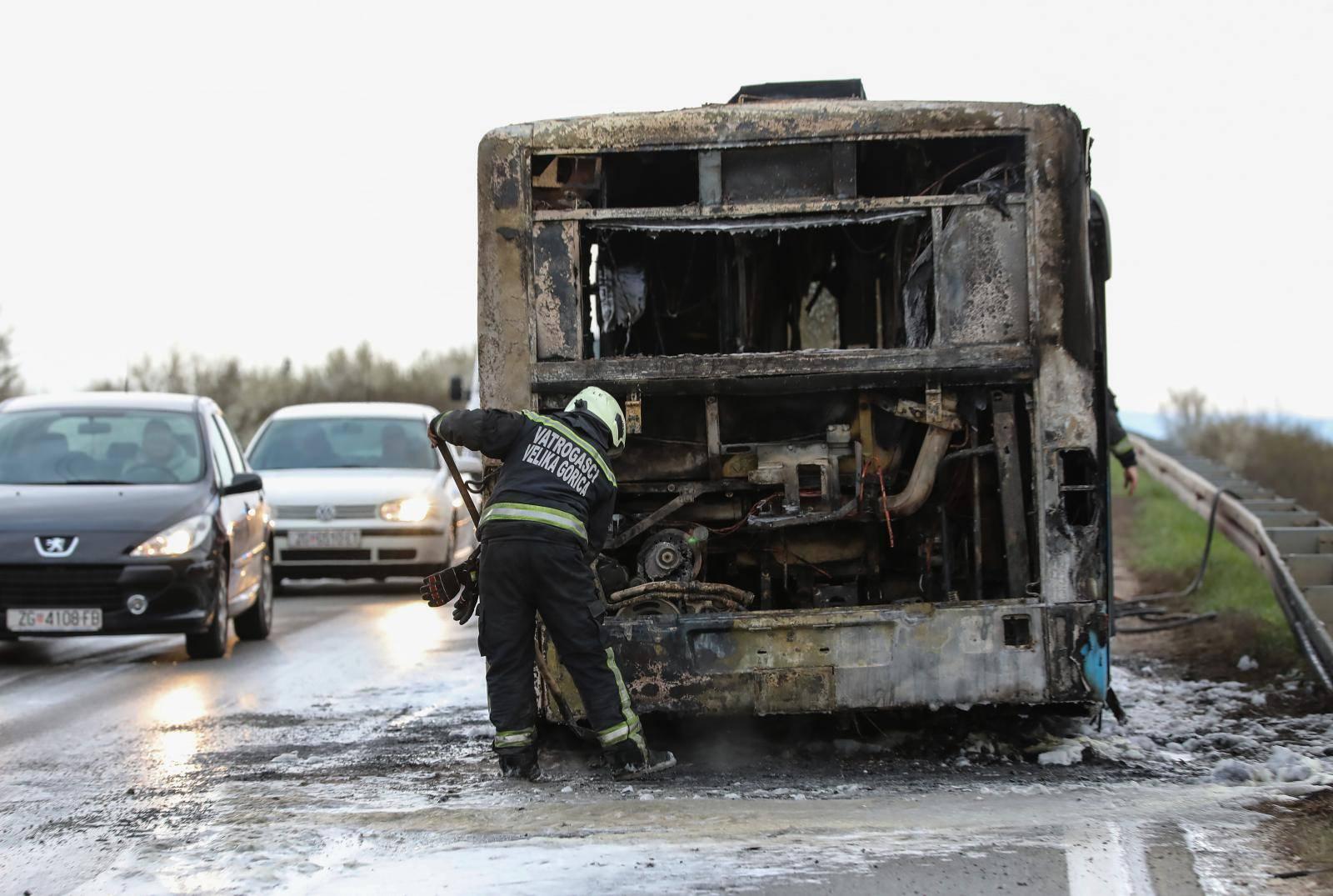 Zapalio se ZET-ov autobus kod Velike Gorice