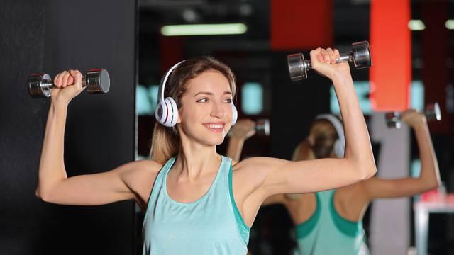 Vježbajte žustrije i uz glazbu, brže ćete mršaviti i biti zdraviji