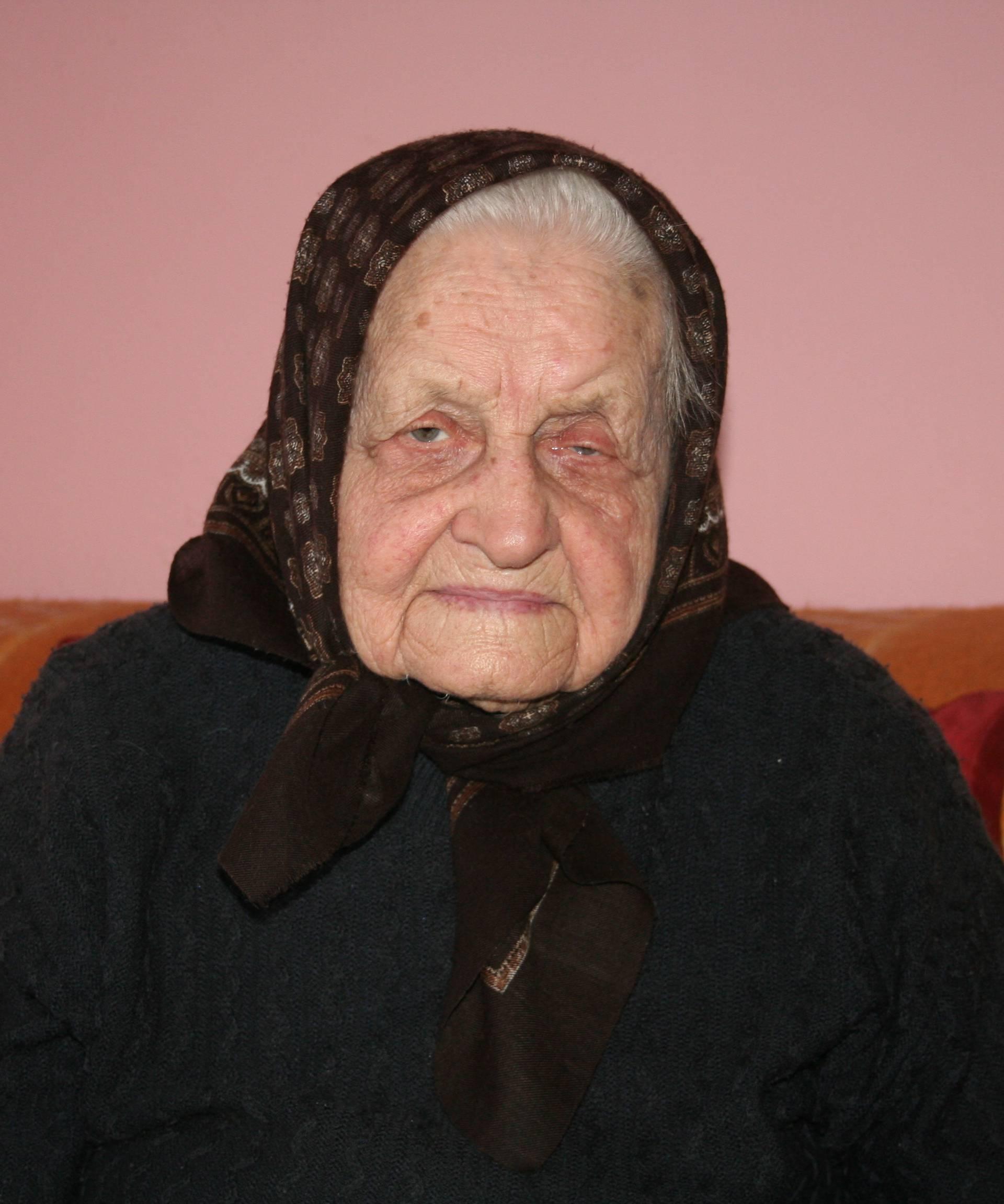 Baka Ana (91): Rado zapjevam stihove iz 1936. godine i danas