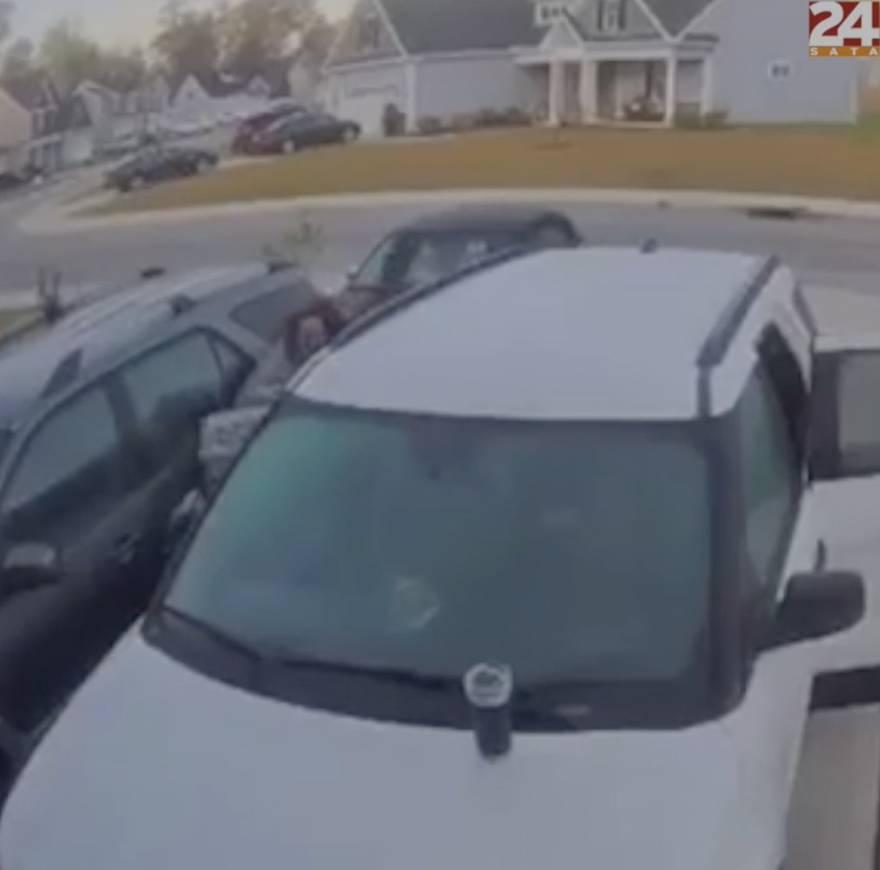 Ris napao ljude dok su ulazili u auto: 'Ubit ću tog gada'