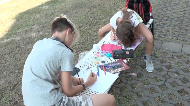 Od bilježnica do tenisica: Sve za školu pronađite na mondo.hr
